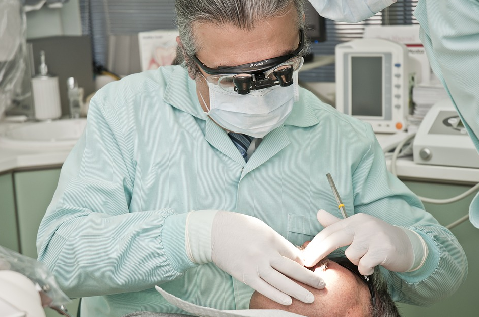 Kompetent, modern & sympathisch - Ihr Zahnarzt bei Duisburg